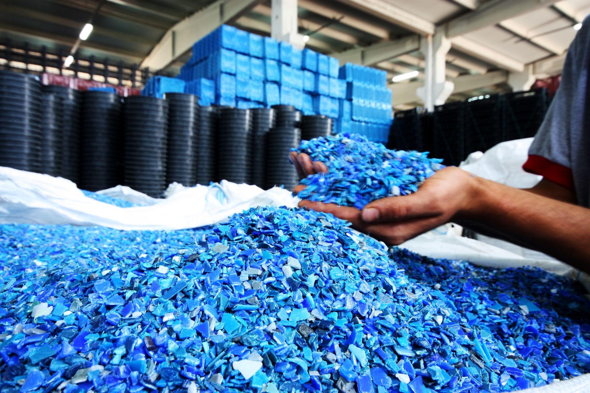 Переработка пластмассы: шаг за шагом